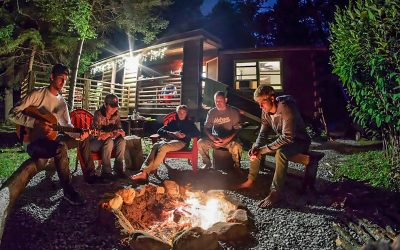 Mountain Hollow – Creekside Glamping!